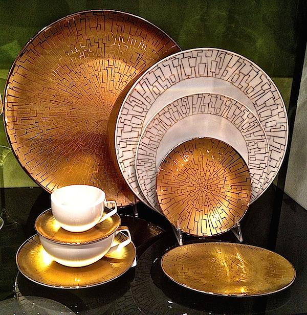 gold at tabletop market