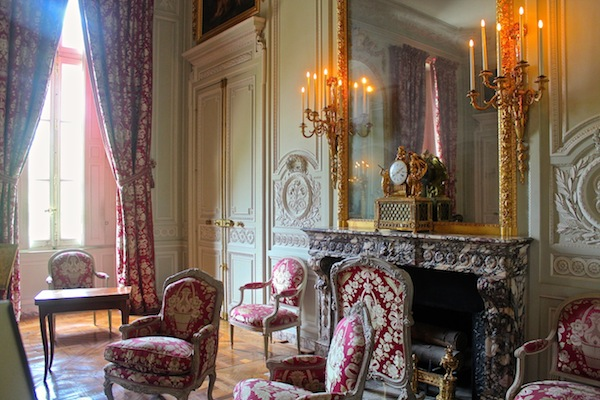 the discreet charm of the petit trianon