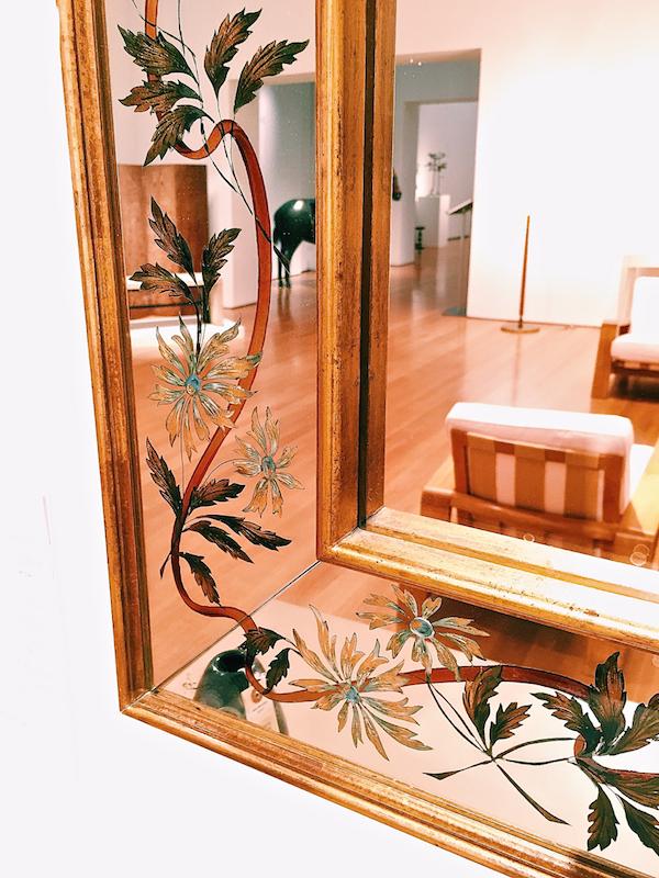 verre églomisé mirror detail